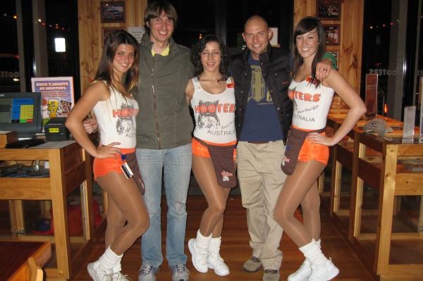 hootersgirls
